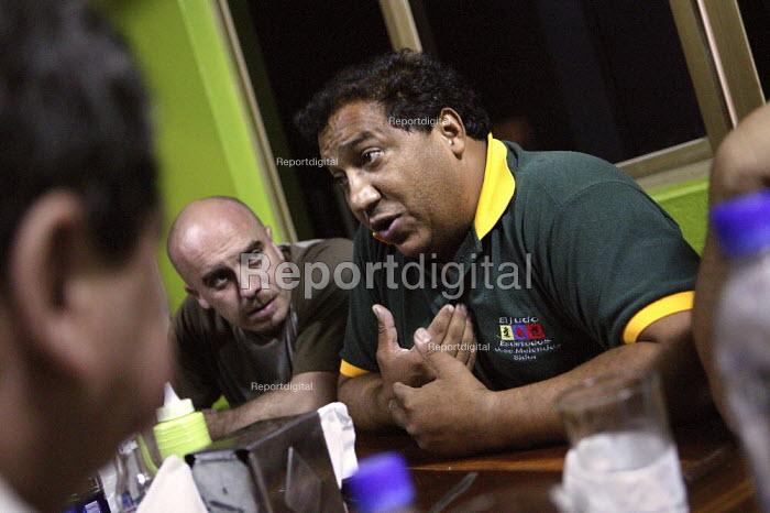 Jose Melendez SUTISS union leader at Sidor Steel works talks to international trade union delegates Guayana, Bolivarian Republic of Venezuela. - Jess Hurd - 2006-11-23
