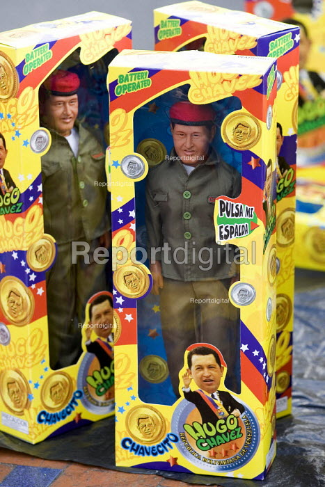 Hugo Chavez dolls. Presidential campaign. Caracas, Bolivarian Republic of Venezuela. - Jess Hurd - 2006-11-26