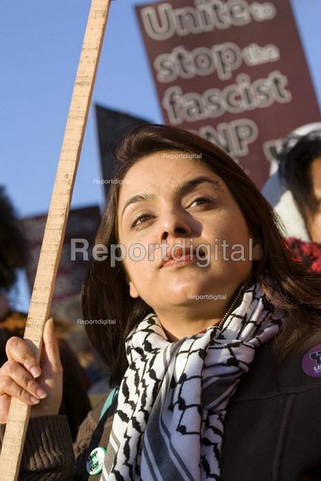 Unite against Fascism supporters demonstrate against a BNP rally in Dagenham. East London. - Jess Hurd - 2006-12-09