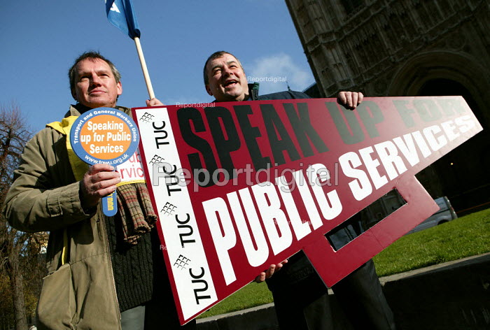 Brendan Barber TUC Gen Sec attends a Speak Up For Public Services Rally organised by the TUC, Westminster. London. - Jess Hurd - 2007-01-23