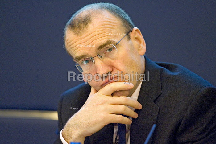 Sir Terry Leahy, Tesco chief executive speaking at a press conference announcing record profits for the supermarket. London. - Jess Hurd - 2007-04-17