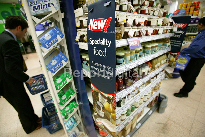 Speciality food section, Tesco Metro, Bishopsgate, London. - Jess Hurd - 2007-04-17