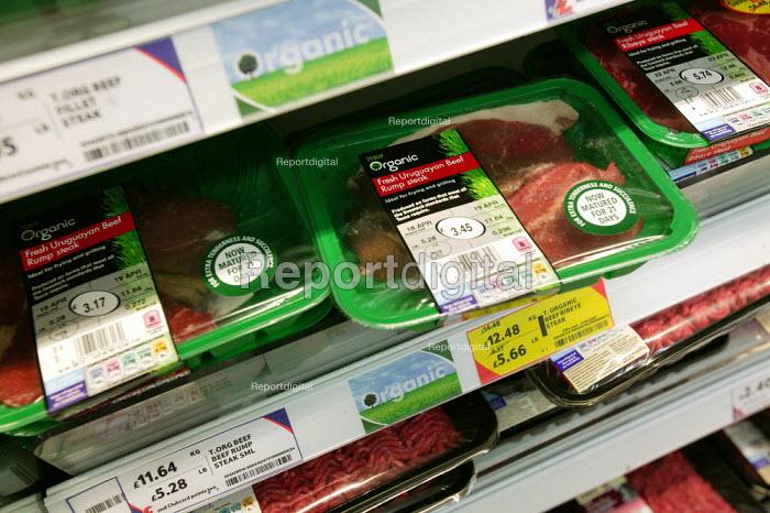 Fresh Organic Uruguayan Beef Tesco Metro, Bishopsgate, London. - Jess Hurd - 2007-04-17