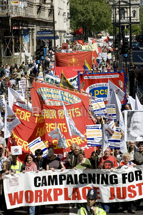 May day march. London. - Jess Hurd - 2007-05-01