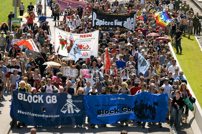Demonstration on the last day of the G8 summit in Heiligendamm, Rostock, Germany. - Jess Hurd - 2007-06-08