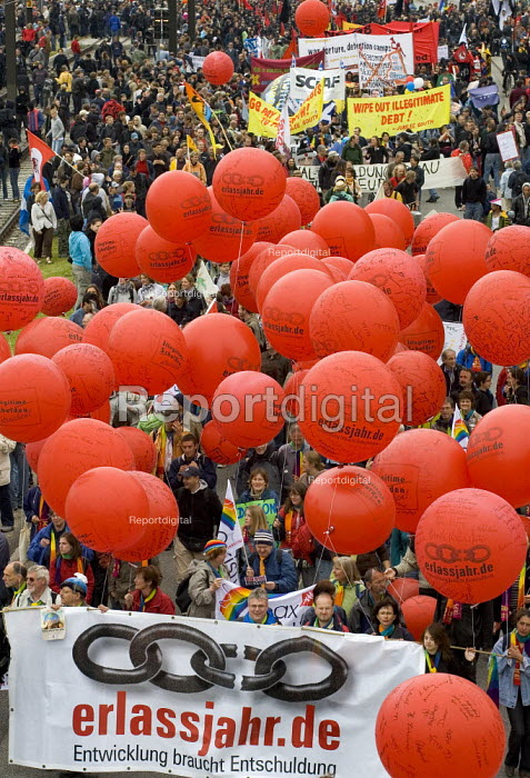erlassjahr.de Protests at the G8 summit in Heiligendamm, Rostock, Germany. - Jess Hurd - 2007-06-02