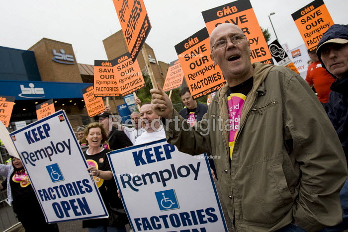 Remploy workers March with a Message for Labour. Unite the Union demonstration supporting public services, equal pay, trade union freedom, rights for agency workers, and against off shoring. Labour Party Conference, Bournemouth 2007. - Jess Hurd - 2007-09-23
