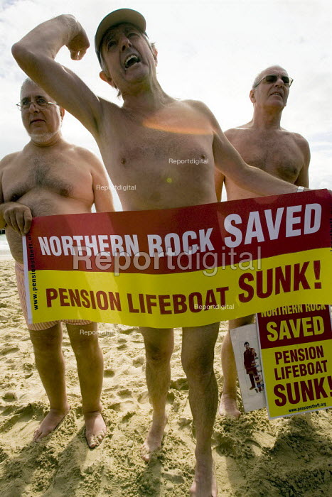 Ex employees from Dexion hold a naked protest about their robbed pensions outside the Labour Party Conference, Bournemouth 2007. - Jess Hurd - 2007-09-25