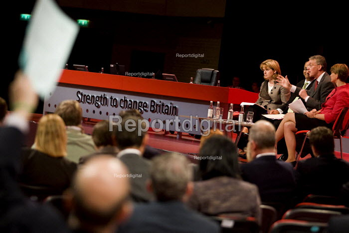 Housing Campaigners during the housing debate at Labour Party Conference, Bournemouth 2007. - Jess Hurd - 2007-09-26