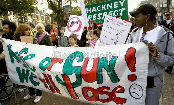 Families march against gun crime from Hackney - Tottenham, London. - Jess Hurd - 2007-10-14