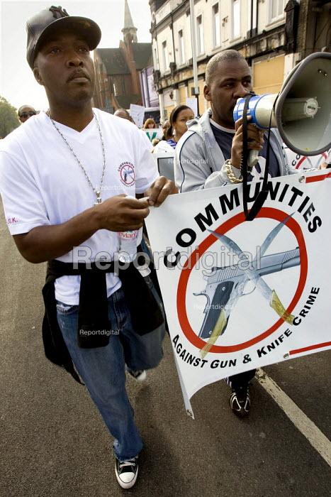 Families march against gun crime from Hackney - Tottenham, London. - Jess Hurd - 2007-10-14