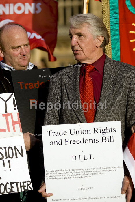 Dennis Skinner MP joins demonstration to support the Trade Union Freedom Bill, Westminster, London. - Jess Hurd - 2007-10-18