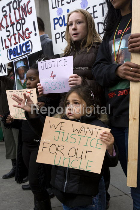 Justice for Jason Richardson. United Friends and Family Campaign against deaths in police custody. London. - Jess Hurd - 2007-10-27