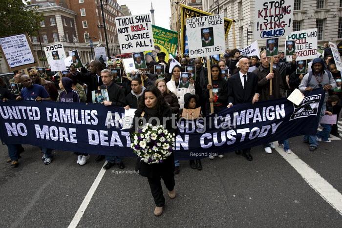 Patricia da Silva Armani, cousin of murdered Brazilian Jean Charles de Menezes leading the protest. United Friends and Family Campaign against deaths in police custody. London. - Jess Hurd - 2007-10-27