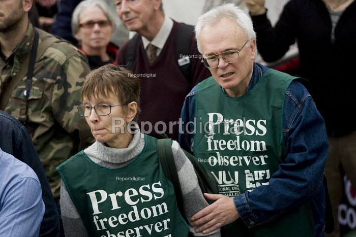 NUJ press freedom observers on a Stop the War demonstration on the opening day of Parliament, London. - Jess Hurd - 2007-10-08