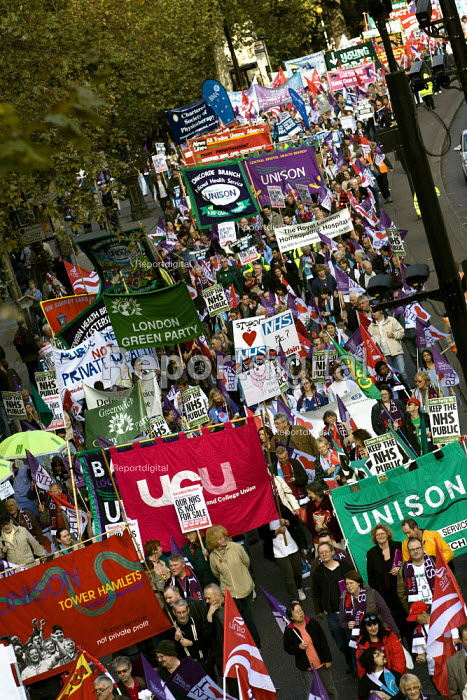 Unison and UCU members join the Keep Our NHS Public National Demonstration. London. - Jess Hurd - 2007-11-03