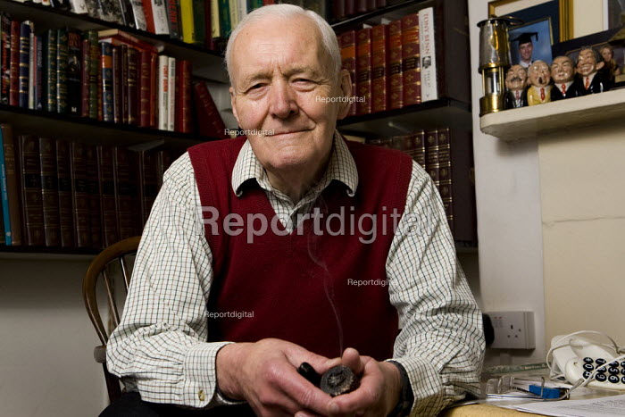 Tony Benn, former Labour MP and Cabinet Minister, London. - Jess Hurd - 2007-11-10