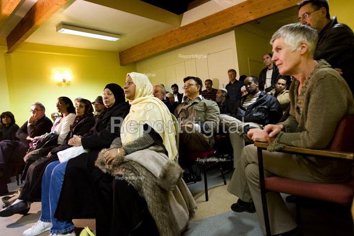 Respect Tower Hamlets meeting, Kingsley Hall. London. - Jess Hurd - 2007-11-12