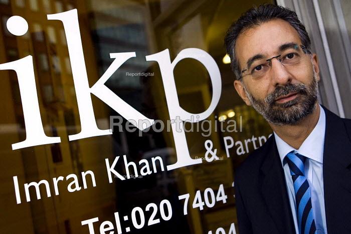 Solicitor Imran Khan. London. - Jess Hurd - 2007-11-08