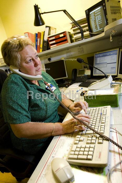 Heathrow Information worker. Heathrow Airport. London. - Jess Hurd - 2007-11-08