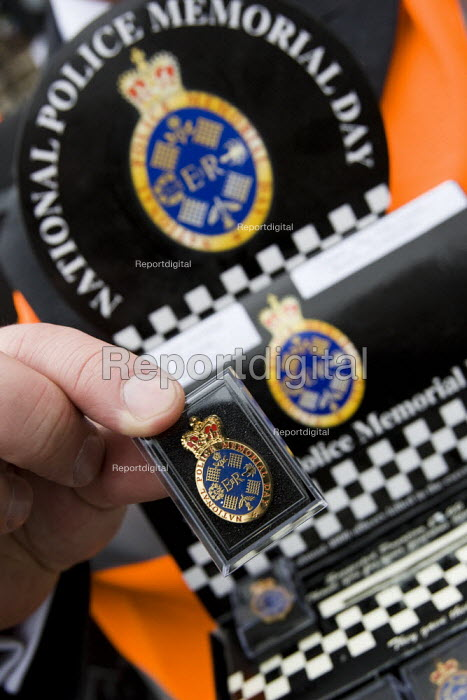 National Police Memorial badges for sale. Police protest over pay. London. - Jess Hurd - 2008-01-23