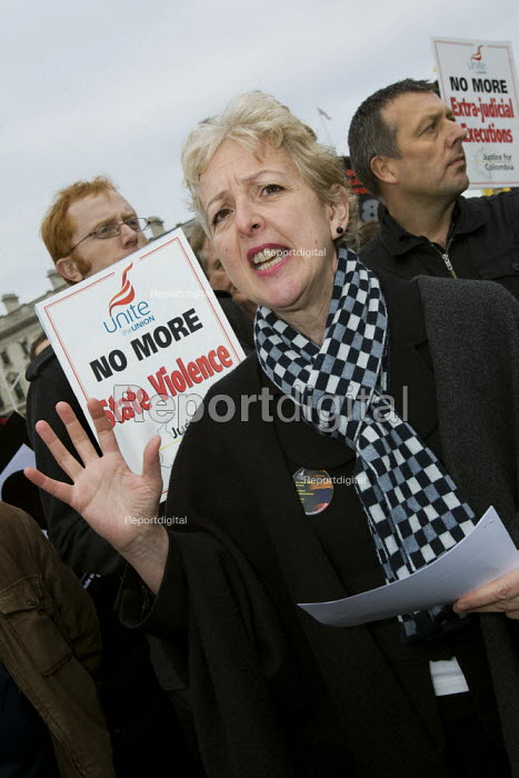 Gail Cartmail Unite speaks at a protest in support of the victims of violence in Colombia. Day of action, called for by the National Movement of Victims, supported by trades unions and Justice for Colombia. Parliament Square, London. - Jess Hurd - 2008-03-06
