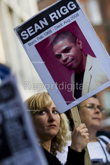 Anna Mazzola, Hickman and Rose solicitor for the family joins friends of Sean Rigg gather outside Brixton police station demanding justice for his death in police custody one year ago. - Jess Hurd - 2009-08-21