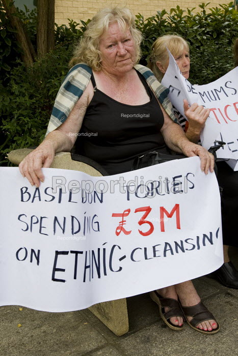 Dale Farm travellers facing eviction protest outside Basildon Council headquarters. Basildon Centre. They demand the council re-home them to another site within the district. - Jess Hurd - 2009-08-10