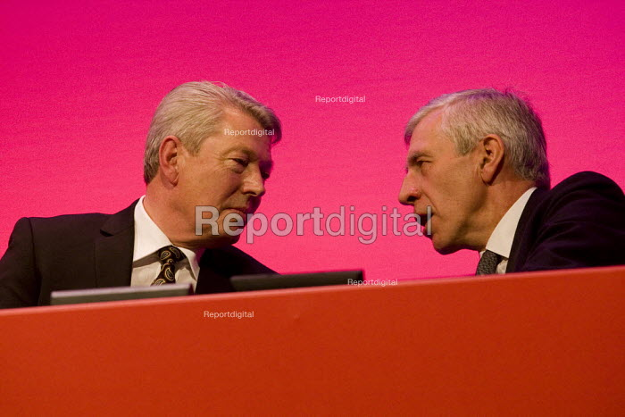 Alan Johnson with Jack Straw MP. Labour Party Conference 2009. Brighton. - Jess Hurd - 2009-09-29