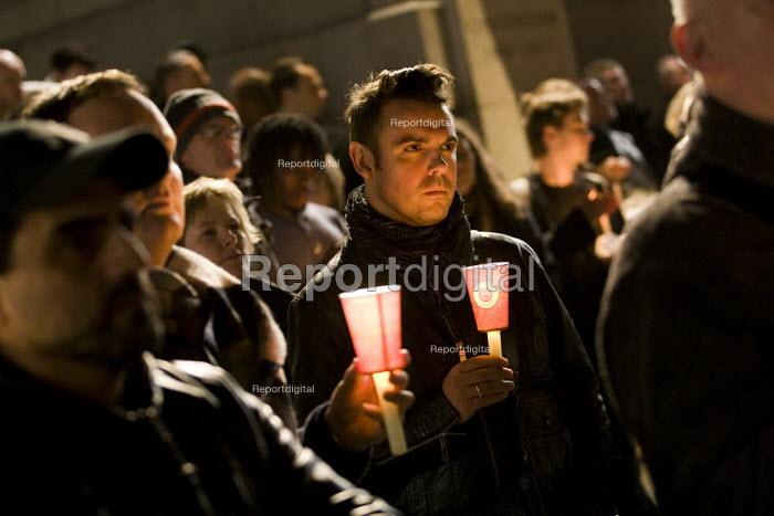 Candlelit vigil against gay hate crime. Trafalgar Square, London. - Jess Hurd - 2009-10-30