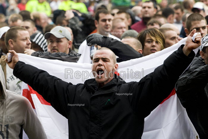 English Defence League march in Leeds - Jess Hurd - 2009-10-31