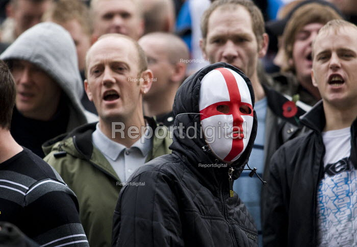 England flag mask. English Defence League march in Leeds - Jess Hurd - 2009-10-31