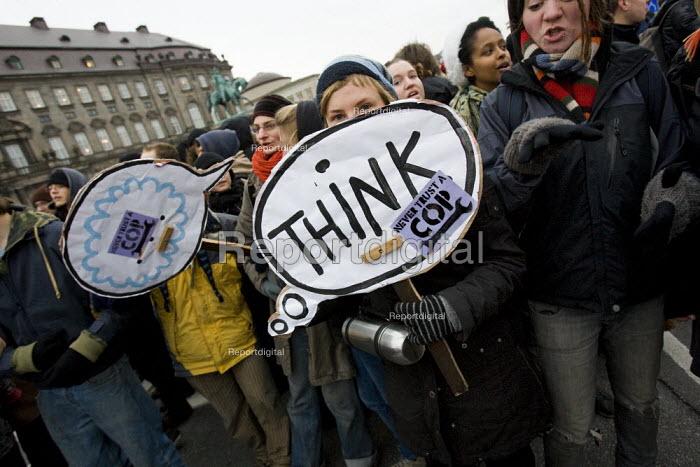No Borders protest, defending refugees. COP15 United Nations Climate Change Conference, Copenhagen 2009, Denmark. - Jess Hurd - 2009-12-14