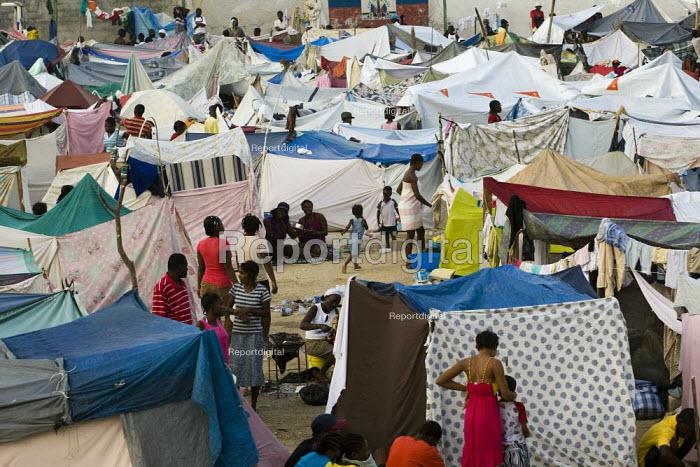 IDP camp, Haiti earthquake. - Jess Hurd - 2010-01-18