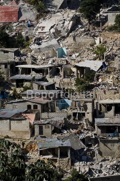 Devastated hillside communities. Port-au-Prince, Haiti earthquake. - Jess Hurd - 2010-01-18