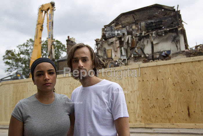 Dean Pursey and Vina Andersson a young couple who lost their flat which was burned to the ground during the tottenham riots. They were paying �575 per month for flat. Council now trying to charge them �200 per week for emergency temporary accommodation. They feel totally let down by the PM and his promise to help riot victims. Tottenham, London. - Jess Hurd - 2011-08-13