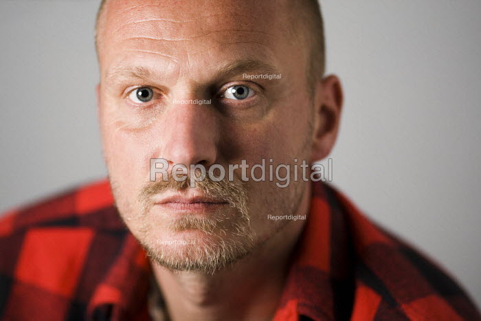 Video journalist Jason N. Parkinson. London. - Jess Hurd - 2011-08-12