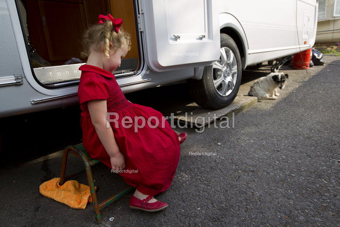 Rihanna. Travellers from Dale Farm ahead of the planned eviction by Basildon Council. Essex. - Jess Hurd - 2011-09-15