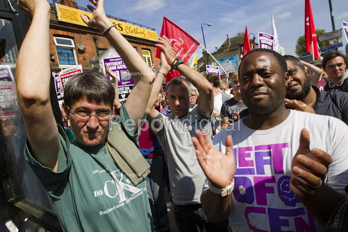 CWU members join the protests against the EDL. English Defence League attempt to march in Tower Hamlets is stopped by a state ban and the mobalisation of local people by Unite Against Fascism. East London. - Jess Hurd - 2011-09-03
