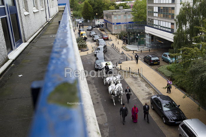 The funeral cortege of Mark Duggan who was killed by the police in Tottenham passes through the Broadwater Farm Estate, North London. - Jess Hurd - 2011-09-09