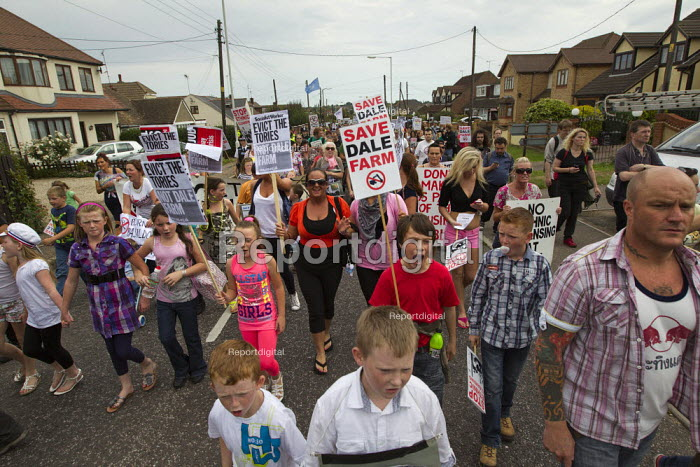 Travellers from Dale Farm and their supporters march against eviction by Basildon Council. Essex. - Jess Hurd - 2011-09-10