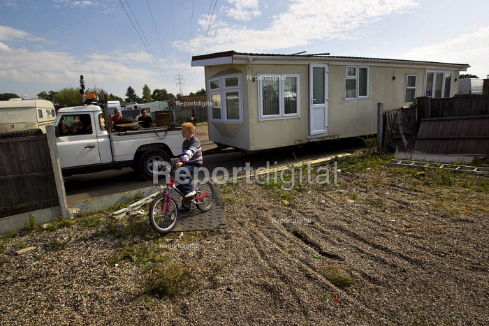 Travellers from Dale Farm move their chalets to safety ahead the eviction by Basildon Council, Essex. London. - Jess Hurd - 2011-09-16