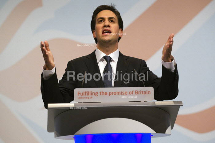 Ed Miliband MP speaking. Labour Conference, Liverpool 2011. - Jess Hurd - 2011-09-27