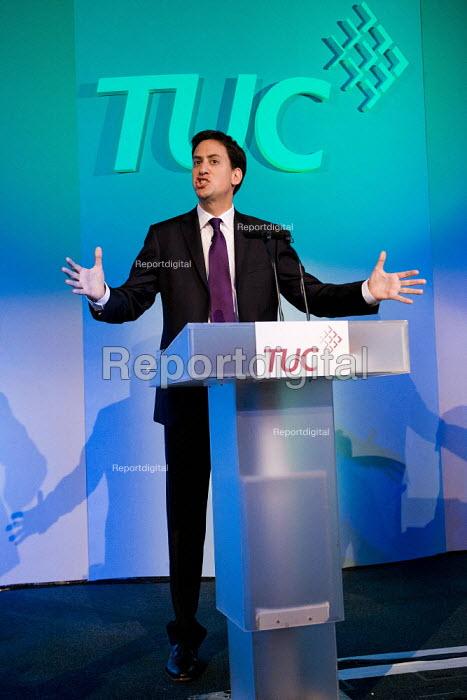 Ed Miliband MP speaking at TUC Congress London 2011 - Jess Hurd - 2011-09-13