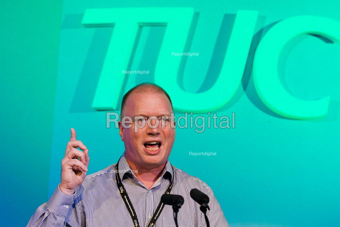 Matt Wrack FBU speaking. TUC 2011 London. - Jess Hurd - 2011-09-14