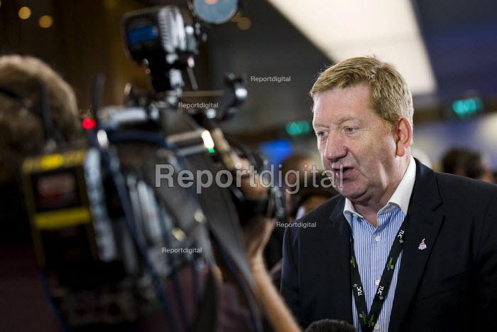 Len McCluskey Unite speaking on pensions to the media. TUC 2011 London. - Jess Hurd - 2011-09-14