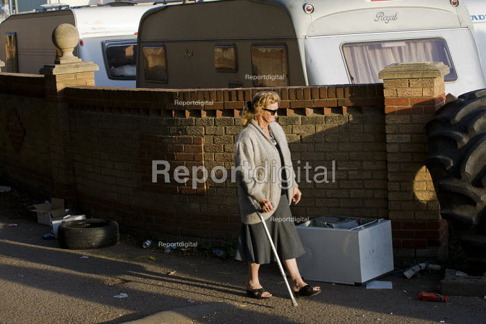 Travellers from Dale Farm are evicted by bailiffs and police hired by Basildon Council. Essex. - Jess Hurd - 2011-10-20