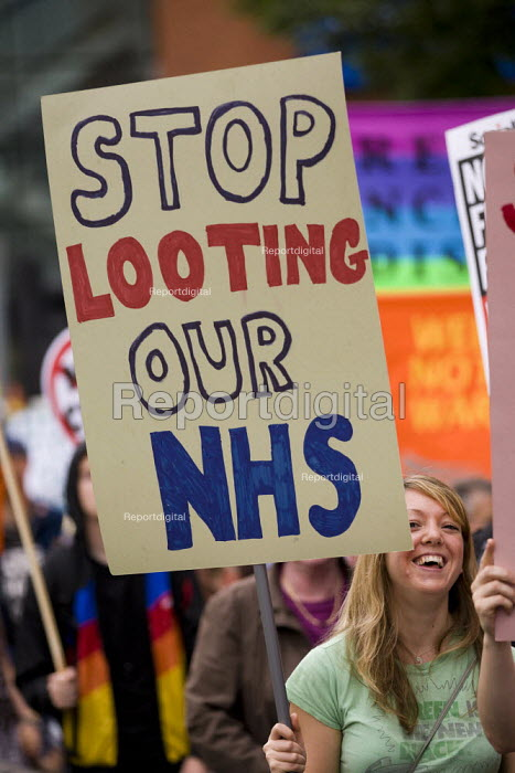 Stop looting our NHS. The March and Rally for an Alternative. Conservative Party Conference, Manchester, 2011. - Jess Hurd - 2011-10-02