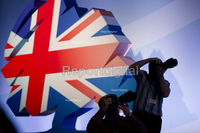 Press photographers. Conservative Party Conference, Manchester, 2011. - Jess Hurd - 2011-10-03