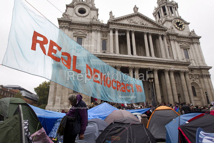 Occupy LSX, St Paul's Cathedral. London. - Jess Hurd - 2011-11-05